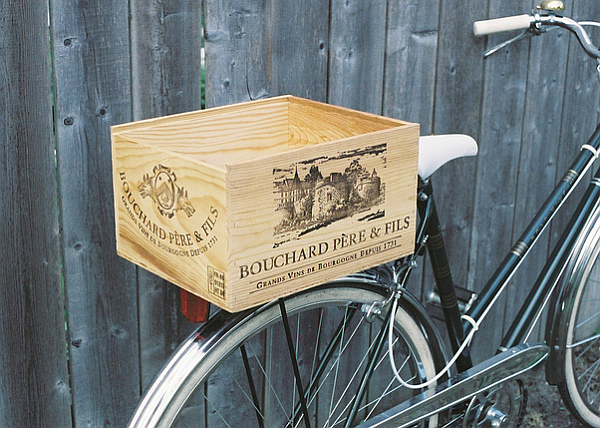 wine-crate-repurposing-bike-holder